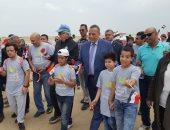 محافظ الجيزة يشارك ذوى الاحتياجات الخاصة بمهرجان للمشى بمنطقة الأهرامات