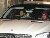 """محمد صلاح يغادر ملعب """"آنفيلد"""" مع نجوم ليفربول بعد ملحمة روما.. صور"""