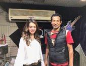 """دينا فؤاد تبدأ تسجيل مسلسلها الإذاعى """"كامل من مجاميعه"""" مع عمرو سعد"""