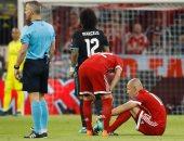 بايرن ميونخ يفقد روبن بعد مرور 8 دقائق من قمة ريال مدريد للإصابة