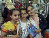 فيديو وصور.. الأطفال يقبلون على شراء الكتب والقصص بالمعرض الخامس بدسوق