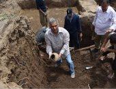 رئيس البعثة الأثرية لجامعة عين شمس: اكتشفنا أوانى فخارية تعود للأسرة الـ19