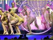 صور .. جينيفر لوبيز مثيرة فى حفل Billboard Music Awards