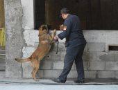 الكلب البوليسى روكو يشارك فى تأمين محطة هليوبوليس أثناء زيارة وزير خارجية فرنسا.. صور