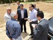 وزير الإسكان يتجول بالقاهرة الجديدة للاطمئنان على استعدادات مواجهة الأمطار