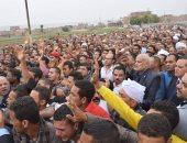 صور.. تشييع جثمان الشهيد مجند محمد حارص بسوهاج وسط هتافات تندد بالإرهاب