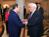 رئيس اليونان:ترسيم حدود المنطقة الاقتصادية مع قبرص ومصر يراعى القانون الدولى