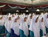 فيديو.. مئات الإندونيسيات يرددن النشيد الوطنى المصرى بحضور شيخ الأزهر