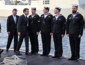 صور.. ماكرون يزور قاعدة بحرية فى أستراليا ويتفقد غواصة للبحرية الملكية
