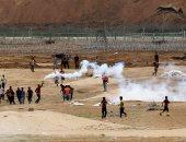 إصابة عشرات الطلبة الفلسطينيين جراء إطلاق الاحتلال غاز سام على مدرسة بالخليل