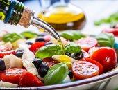 دراسة: اتباع نظام غذائى غنى بزيت الزيتون يؤخر الإصابة بالخرف