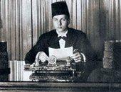 شاهد.. الأمير فاروق يعود من بريطانيا لتولى عرش مصر