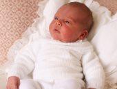 صور.. الأسرة المالكة فى بريطانيا تنشر صورتين للأمير لويس بعد ولادته بأيام