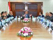 وزير التنمية المحلية يبحث استرداد أراضى الدولة مع سكرتيرى عموم المحافظات