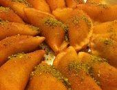 الإفراط فى تناول حلويات رمضان يزيد التهاب المفاصل ويضر الكبد