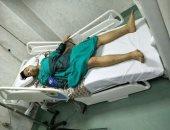 3 عاطلين يمزقون جسد طالب بمطواة لدفاعه عن زميلاته بعد معاكستهم بالمرج