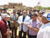 صور.. محافظ الإسماعيلية ومدير الأمن يشرفان على تنفيذ حملة إزالات