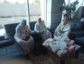 صور.. بعثة العاملين بمطار القاهرة تغادر إلى الأراضى المقدسة لأداء العمرة