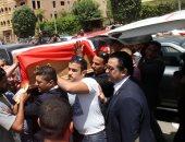 فيديو وصور.. وصول جثمان الطالبة مريم مسجد الشربتلى بالتجمع تمهيدا لصلاة الجنازة