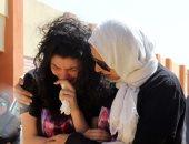 فيديو وصور.. بكاء وانهيار أهالى الطالبة مريم عقب أداء صلاة الجنازة على الجثمان