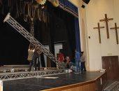 صور.. مسرح الكاتدرائية يتأهب لاحتفالية 100 عام على مدارس الأحد