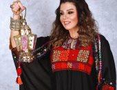 """رانيا فريد شوقى تستقبل رمضان بـ""""العباية"""" والفانوس بجلسة تصوير جديدة"""