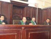 استمرار حبس 3 عاطلين لاتهامهم بسرقة ممرض بالإكراه فى العجوزة