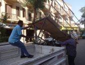 صور.. رئيس مدينة الأقصر يتفقد أعمال النظافة وإزالة الإشغالات بالشوارع