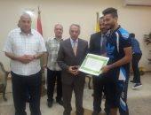 محافظ شمال سيناء يكرم لاعبى مركز شباب الميدان
