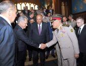 وزير الدفاع يعود إلى أرض الوطن بعد انتهاء زيارته الرسمية إلى روسيا