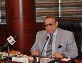 الدكتور حسن راتب يسلم شهادات إتمام دورة أكاديمية المياه العربية