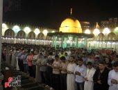صلاة التراويح تضئ جامع عمرو بن العاص فى أول ليالى شهر رمضان
