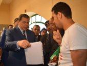 وزير القوى العاملة يتفقد قبول طلبات المرشحين للانتخابات العمالية باليوم الثانى
