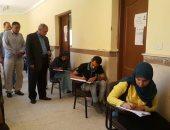 صور.. نائب رئيس جامعة جنوب الوادى يتفقد امتحانات كلية الآثار بالأقصر