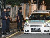 صور.. شرطة ماليزيا تداهم منزل رئيس الوزراء السابق عبد الرزاق بسبب تحقيقات فساد