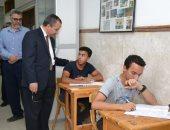 رئيس جامعة السويس يتفقد سير الامتحانات بكليتى التربية والعلوم