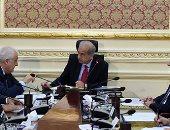رئيس الوزراء يتابع إنتاج حقل ظهر مع نائب رئيس شركة إينى الإيطالية - صور