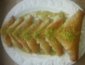 """طريقة عمل الحلوى السورية """"وربات بالقشطة"""" فى المنزل"""