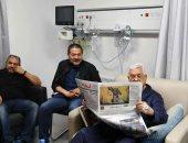 يديعوت أحرونوت تزعم: طبيب إسرائيلى عالج الرئيس الفلسطينى سرا وأنقذ حياته