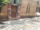 صور.. المياه تحاصر مسجد قرية نبتيت فى الشرقية ومطالب بصيانة شبكة الصرف