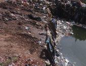 """قارئ يشكو تراكم القمامة بترعة قرية """"أم عبد الله"""" فى طنطا"""