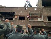 صور.. الجيش السورى يرفع العلم على مخيم اليرموك والحجر الأسود بعد تحريرهما