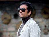 شاهد كيف وقع عمرو سعد فى غرام أسرة مصرية عبر الموبايل؟