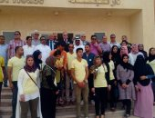 صور.. محافظ جنوب سيناء: توزيع 100 كرتونة مواد غذائية على الأسر الفقيرة