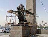 صيانة أسود كوبرى قصر النيل ورفع الإشغالات بحى غرب القاهرة