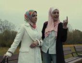 التمثيل قلب حقيقة.. الاعتداء على منى عبد الغنى فى المجر بسبب الحجاب