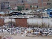 صور.. شكوى من انتشار القمامة بمساكن إسكو حى شرق فى شبرا الخيمة