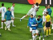 احتفال نجوم ريال مدريد وبكاء لاعبى ليفربول بعد نهائى دورى الأبطال.. فيديو