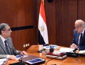 رئيس الوزراء يتابع مع وزير الكهرباء عددا من ملفات القطاع