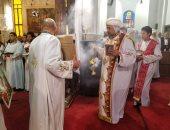 """هل يصلى الأقباط ساجدين؟.. تعرف على """"السجدة"""" أهم طقوس عيد العنصرة"""